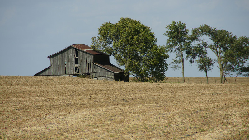 Old wood barn west of Lillis - southeast Marshall County