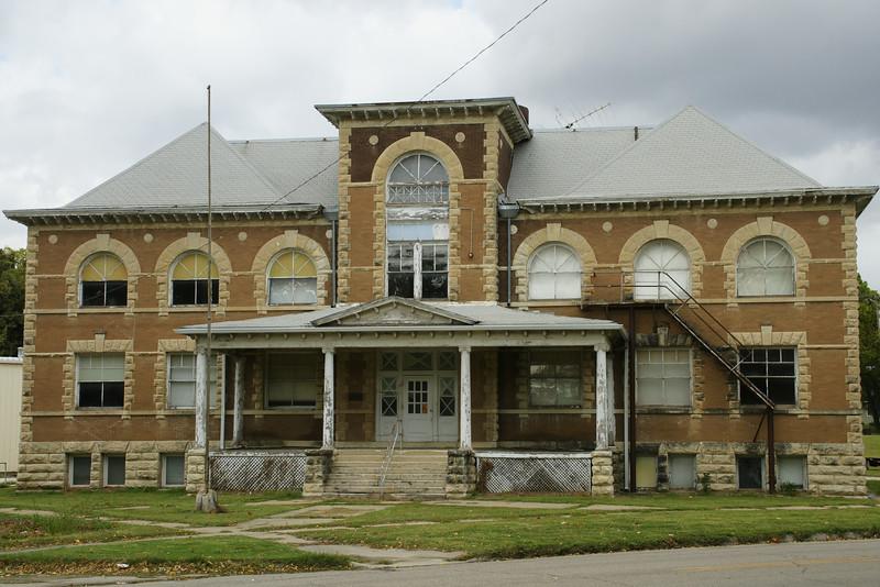 Historic 1903 Grade School building in Frankfort