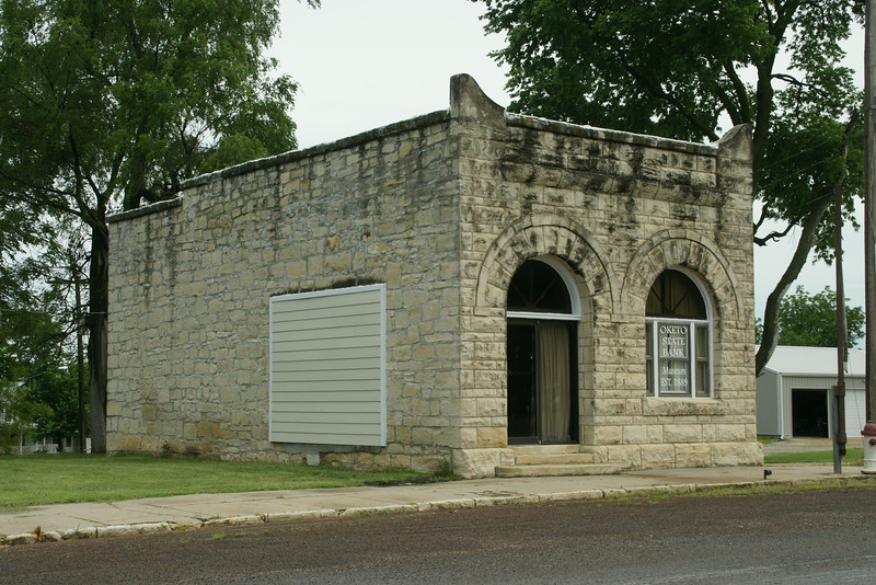 Limestone bank building in Oketo