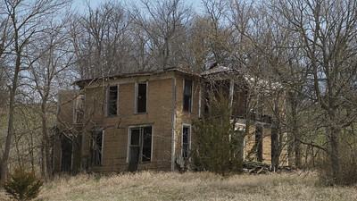 Abandoned house in northern Nemaha County