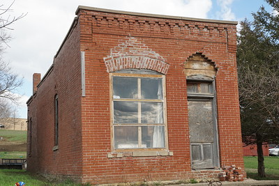 Old brick building in Kelly