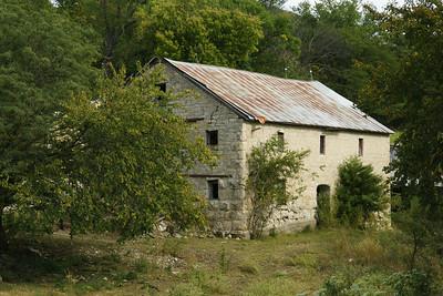 Limestone barn seen from Shannon Creek Road - northwest Pottawatomie County