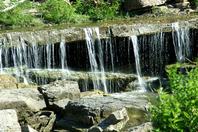 Deep Creek waterfall at Pillsbury Crossing