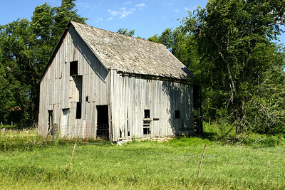Wood barn in southeast Riley County