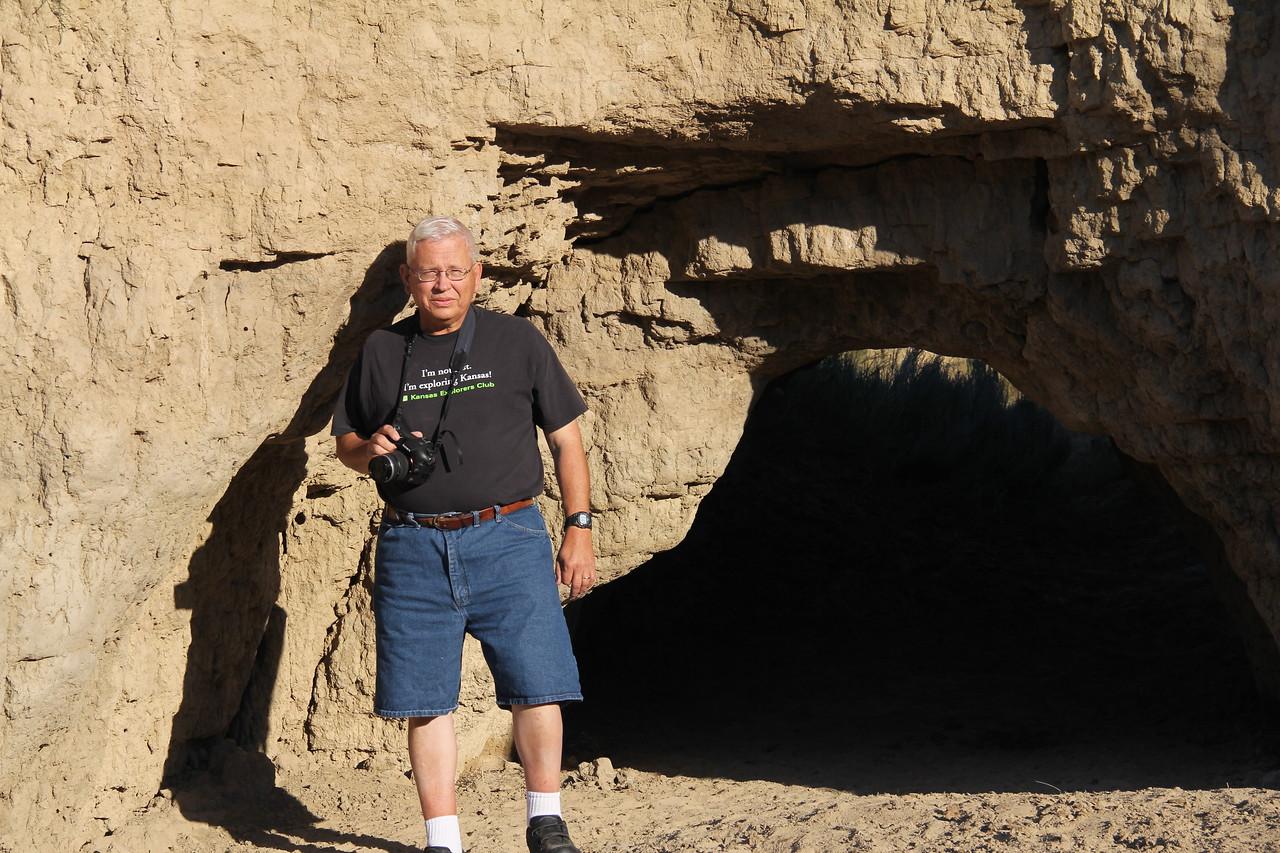 Larry at Horsethief Cave
