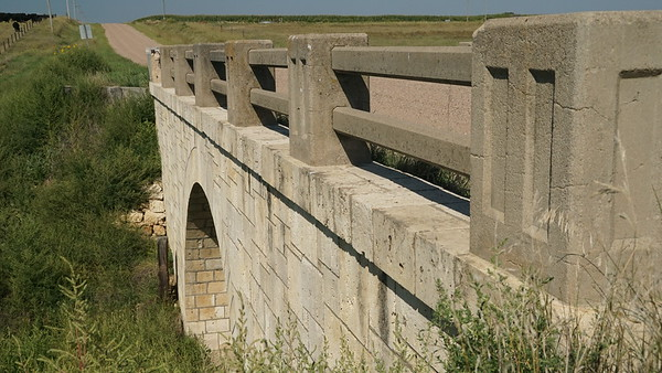 Masonry stone arch bridge north of Jennings