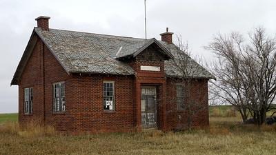 Abandoned District 35 school west of Almena