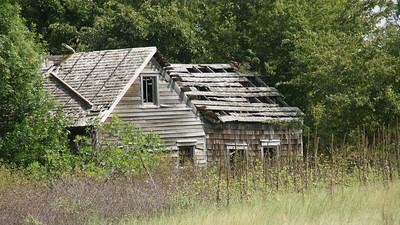 Abandoned house along Bow Creek - northwest Rooks County