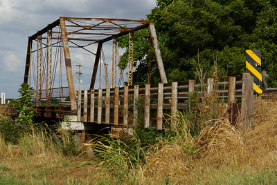 Iron truss bridge over Medicine Lodge River west of Medicine Lodge