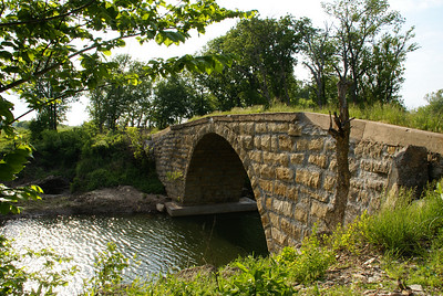 Fromm stone arch bridge north of Cambridge