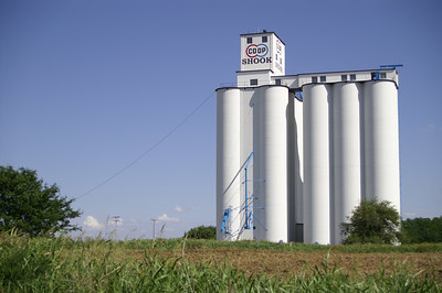 COOP elevator at Shook - southern Harper County