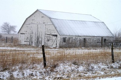 White barn southeastern Harvey County