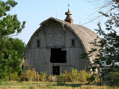 Grand wood barn along 250th east of Antelope - Marion County