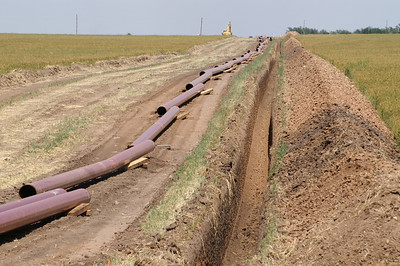 Laying a new pipeline - western Pratt County