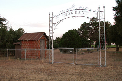 Jordan Cemetery along Ks Turnpike south of Wellington