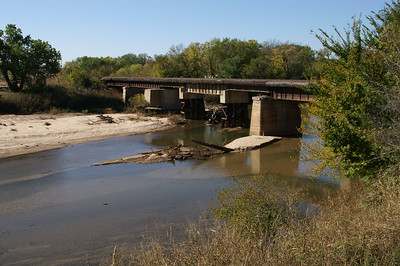 Railroad bridge over Ninnescah River at Zyba - northern Sumner County