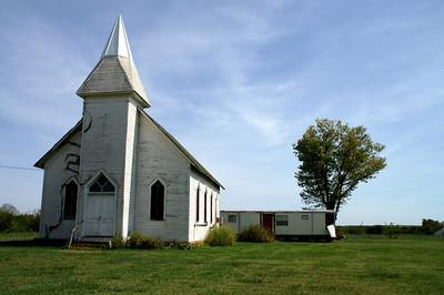 Frontier church in Hewins