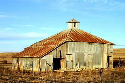Unique barn - western Greenwood County