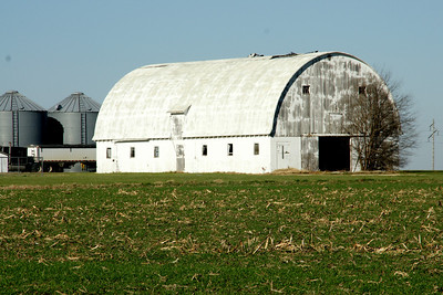 Large barn - central Labette County
