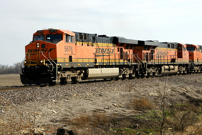 BNSF train approaching LaCygne