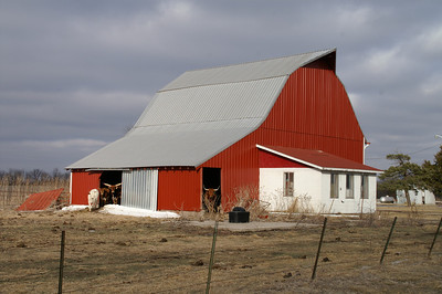 Red barn in northern Neosho County