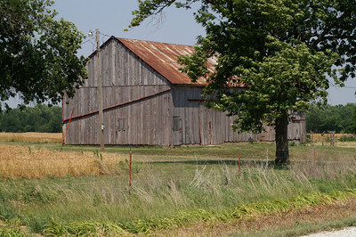 Wood barn northeast of Yates Center