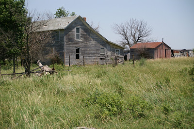 Abandoned farm buildings - southern Woodson County