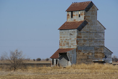 Wood Elevator near Offerle