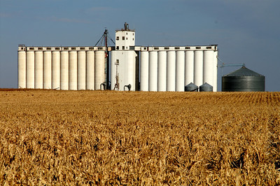 Grain Elevator at Tennis - northern Finney County