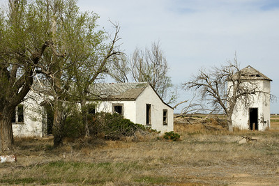 Building remains at Zionville townsite - southern Grant County