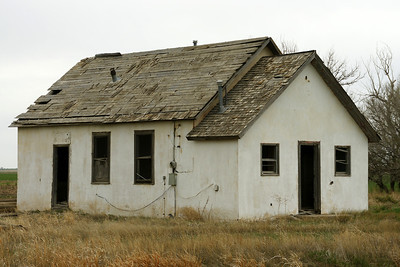 Abandoned building in Shockey area - northwest Grant County