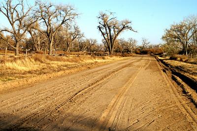 Arkansas River drive dirt road