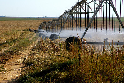 Irrigation rig in northern Kiowa County
