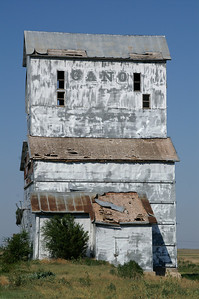 Old Gano elevator in Fowler