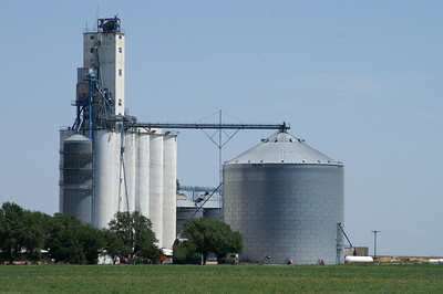 Grain elevator at Hobart