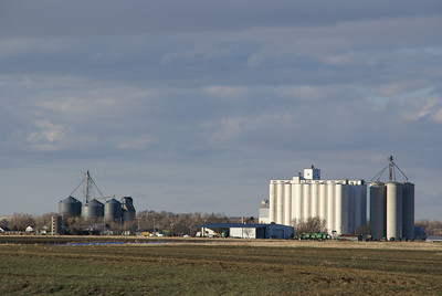 Grain elevators at Burdett