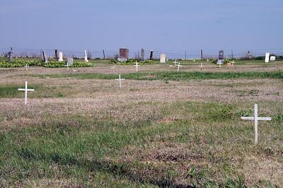 Hampton Cemetery east of McCracken