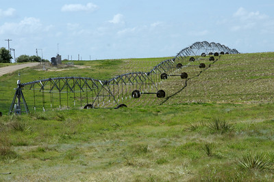 Center pivot irrigation system over hill - northwest Seward County