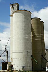 Grain elevators at Big Bow