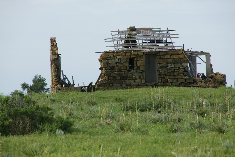 Abandoned stone building near Bear Creek