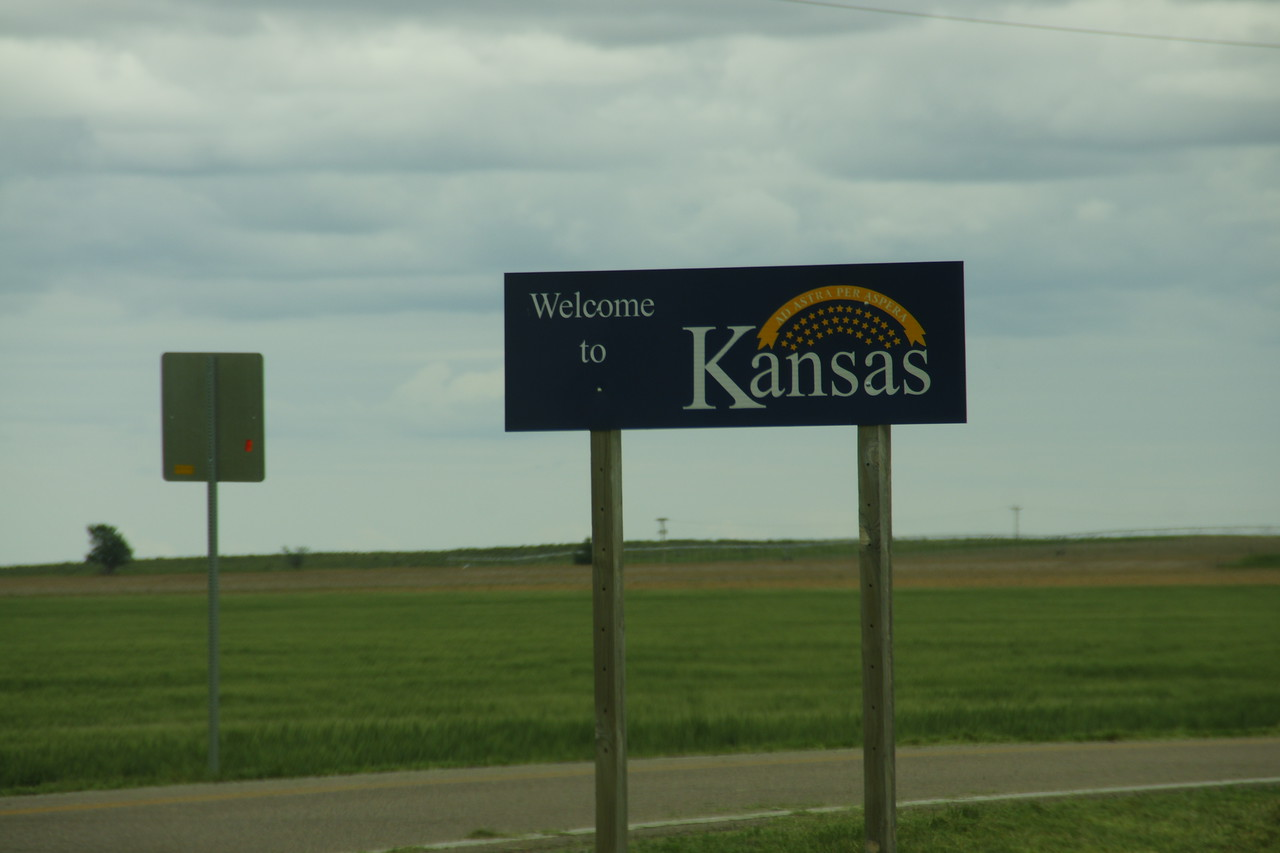 Welcome to Kansas sign along US-160 near Saunders