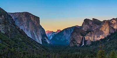 Yosemite Tunnel View at Sunset