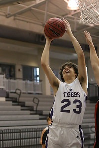415_DS_DMSbasketballBoys_2014_RA