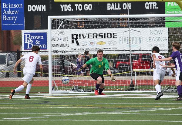 002_DS_Soccer_Var_Boys_18_RA