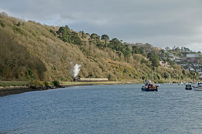 75014 heads alongside the River Dart as it leaves Kingswear