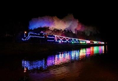 75014 Train of Lights Britannia Crossing