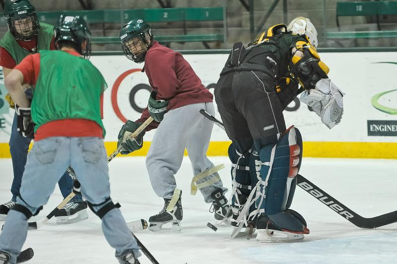 Ming Dynasty Bronze Medal Dartmouth Hockey 2012-148