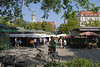 Am Montag steht der Hugendubel am Programm, eine Buchhandlung am Marienplatz wo man auf 6 Etagen schmökern und kaufen kann. Nachher geht's zum Viktualienmarkt, wo ich mir unbedingt eine Weisswurst geben muss.