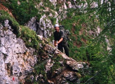 Vzlt Brandl, Heeresbergführer und Kommandogruppenkommandant der 1.Kp war einer der wichtigsten Stützen beim Aufbau des JgB 12. Hier auf dem Jahnweg (Raxalpe)