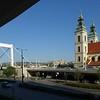 Blick aus unserem Hotelzimmer (Stadthotel Matyas)  auf die Elisabethbrücke, den Burgberg und die Innerstädtische Pfarrkirche